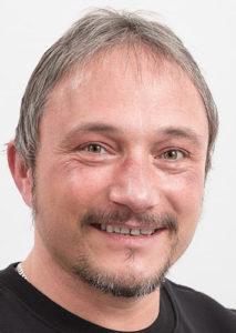 Peter Schwarz arbeitet im Regiebetrieb und Montage Messtechnik bei der VGW Schwäbisch Gmünd